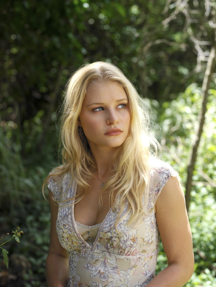 "Lost S2 Emilie de Ravin as ""Claire Littleton"""