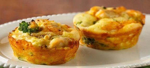 Een lekker koolhydraatarm voorgerecht, Broccoli en kaas muffins. Dit is een heerlijk recept wat je kan serveren als voorgerecht of als ontbijt.