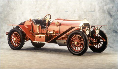 1914 Simplex Speedster - Simplex automobiles were made from 1907-1917 starting in New York City and ending up in New Brunswick, New Jersey. This 2-seater has a 4 cylinder 597cid 50hp engine....