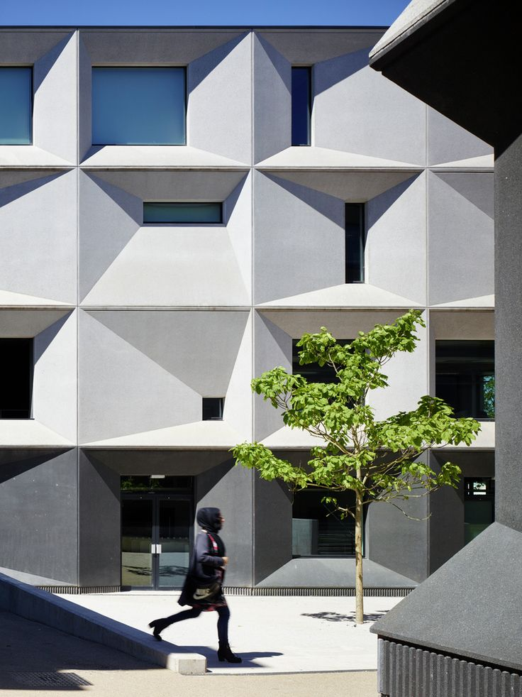 Poll: Which Project Do You Think Should Be Awarded the 2015 RIBA Stirling Prize?,Nominated: Burntwood School, Wandsworth (London) / Allford Hall Monaghan Morris. Image © Timothy Soar