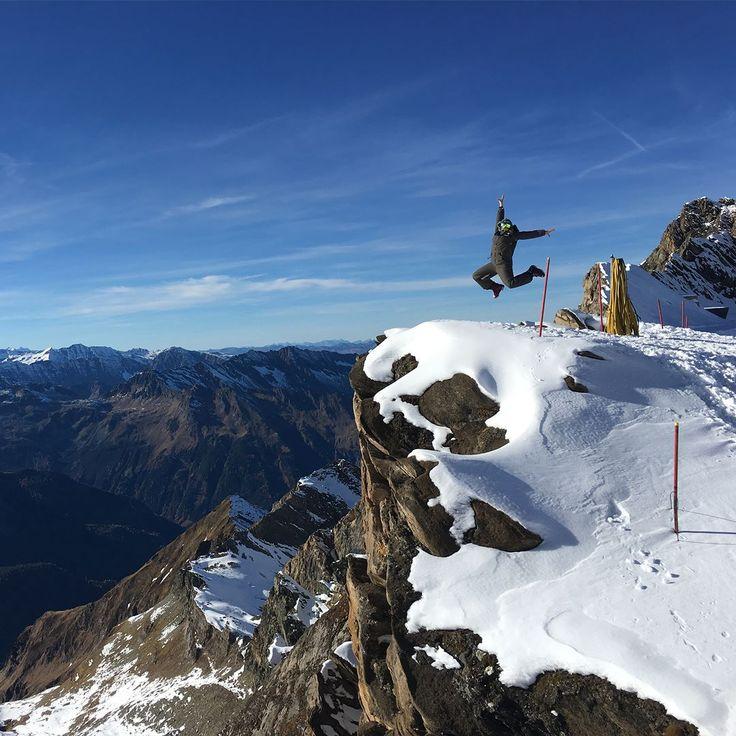 Reach for the skies in a Military Green Oneskee Mark III  www.oneskee.com  #pow #skiingislife #ski #zipup #mountains #onesie #oneskee #skisuit #skistyle #winter #powpow #steeze #slopestyle #winterstyle #snowsports #snowboard