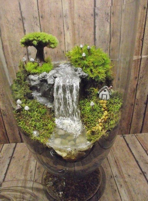 Incroyable énorme Terrarium Cascade Avec La Maison De La Miniature Tiré  Raku, Arbre Et Brillent Dans Les Champignons Noirs   OOAK Fait Main Par  Gypsy Raku