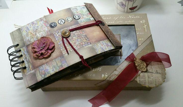 Álbum de fotos y su caja.