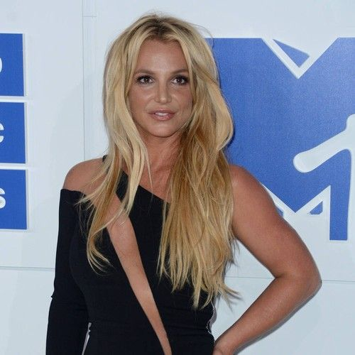 Britney Spears sings Happy Birthday live in Singapore https://tmbw.news/britney-spears-sings-happy-birthday-live-in-singapore  Britney Spears has made an effort to put longrunning lip-syncing rumours to rest by belting out a live rendition of Happy Birthday onstage in Singapore.For years, the Toxic hitmaker has been dogged by claims suggesting she mimes much of her way through concerts, including her Las Vegas residency show, and instead relies on pre-recorded vocal tracks to pull her…