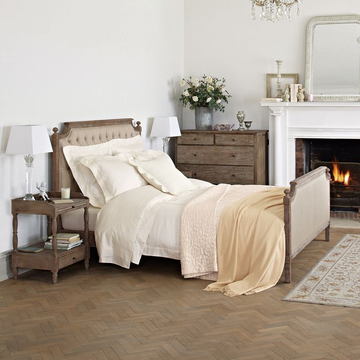 Loire Bed | Feather & Black