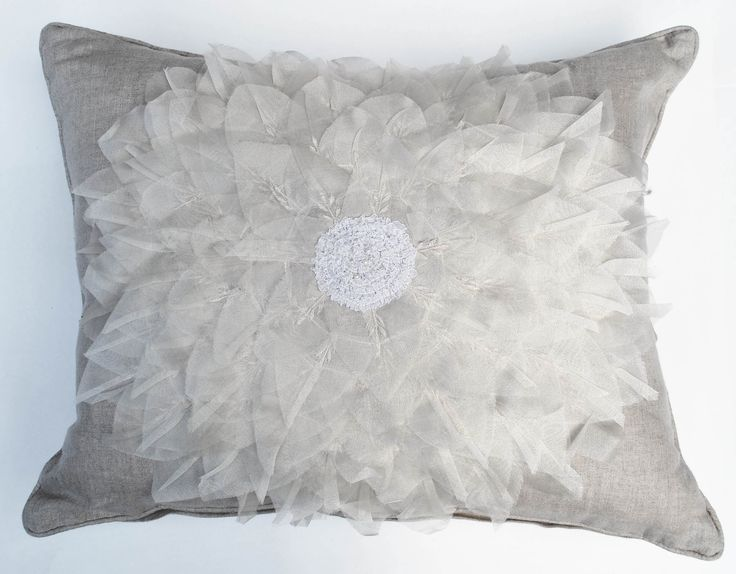 Dahlia-Natural 16x20 Pillow [#1601]  : Goemdee