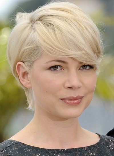 Michelle Williams Hairstyles for Pear-Shaped face
