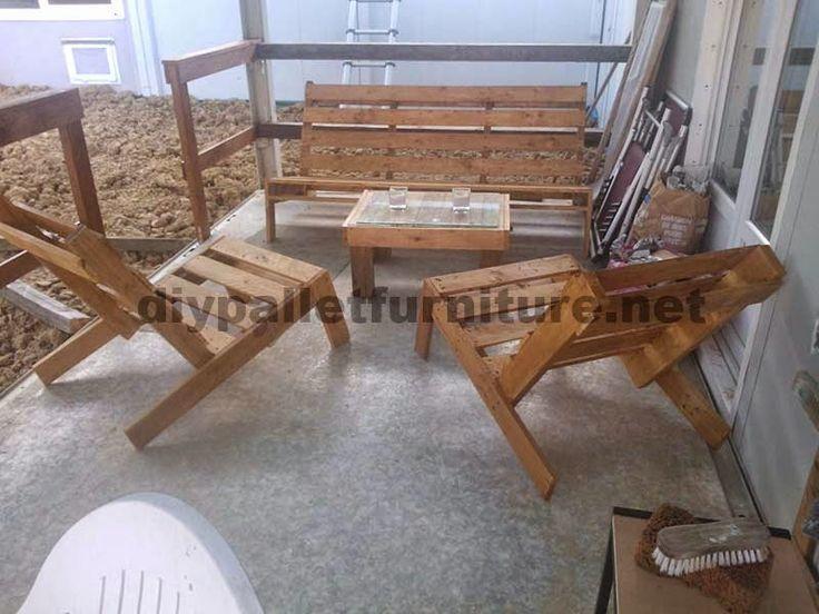 Muebles de palets ejemplos de mejoras en una casa - Sillas con palets ...
