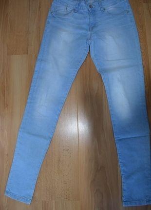 A vendre sur #vintedfrance ! http://www.vinted.fr/mode-femmes/jeans/15356420-jeans-slim-bleu-clair