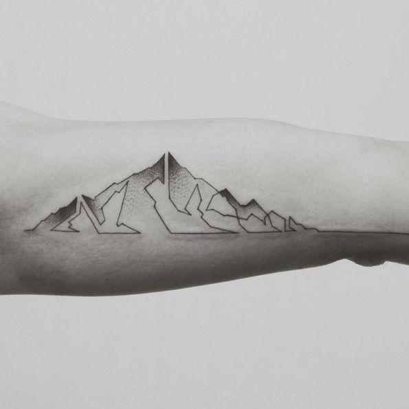 Geometryczne tatuaże Jaspera Andresa, fot. instagram justundress
