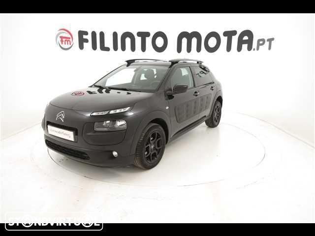 17 400 EUR: Equipamento adicional: airbag, bancos condutor ajustáveis, luzes diurnas.