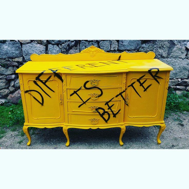 Aparador restaurado pintado con spray y graffiti remake - Muebles restaurados online ...