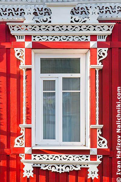Вологодское окно с резным наличником №26