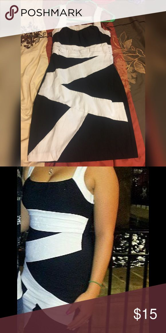 """Jc Penny's """"going out"""" dress Worn maybe 4-5 times! Washed every time after. Never wear it anymore is reason I'm getting rid of it. I'm pretty sure it's a size 11, it's SUPER stretchy. I wore a size 9 in jeans & this hugged my curves & fit perfect jc penny Dresses Mini"""