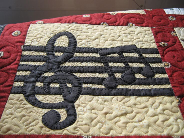 1000+ images about Music Quilts on Pinterest Grand pianos, Quilt and Embroidered quilts