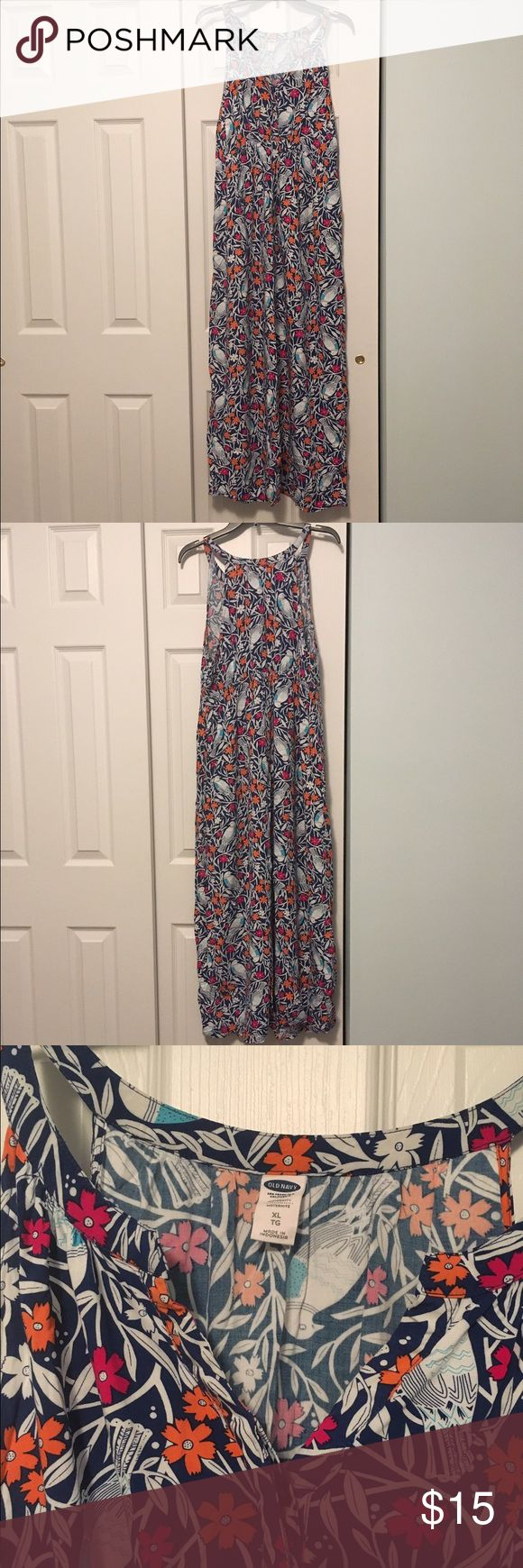 Old Navy maternity maxi dress size XL Old Navy maternity maxi dress. Size XL. Beautiful pattern. Comfortable. Pretty spring pattern. Great condition. Old Navy Dresses Maxi