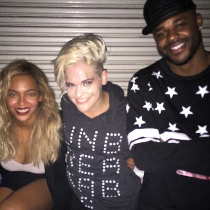Beyoncé & Chris Grant backstage at Janet Jackson's concert 16/10