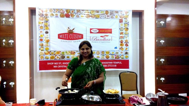 Prestige Bandhan, a multi-cuisine cookery show - held at Prestige Smart Kitchen store, Jamnagar. Chef Kiran Madlani