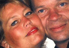 5-Apr-2013 6:36 - 2,5 JAAR CEL VOOR DOODRIJDEN ECHTPAAR. De bestuurder die eind augustus de ouders van drie tienerdochters uit Capelle aan den IJssel doodreed, moet 2,5 jaar de cel in. Veel te kort,