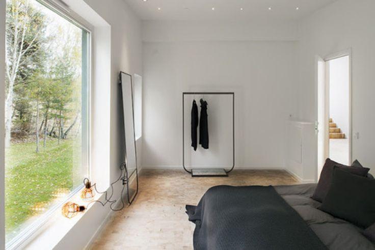 Skandinavisk  minimalistisk  soveværelse