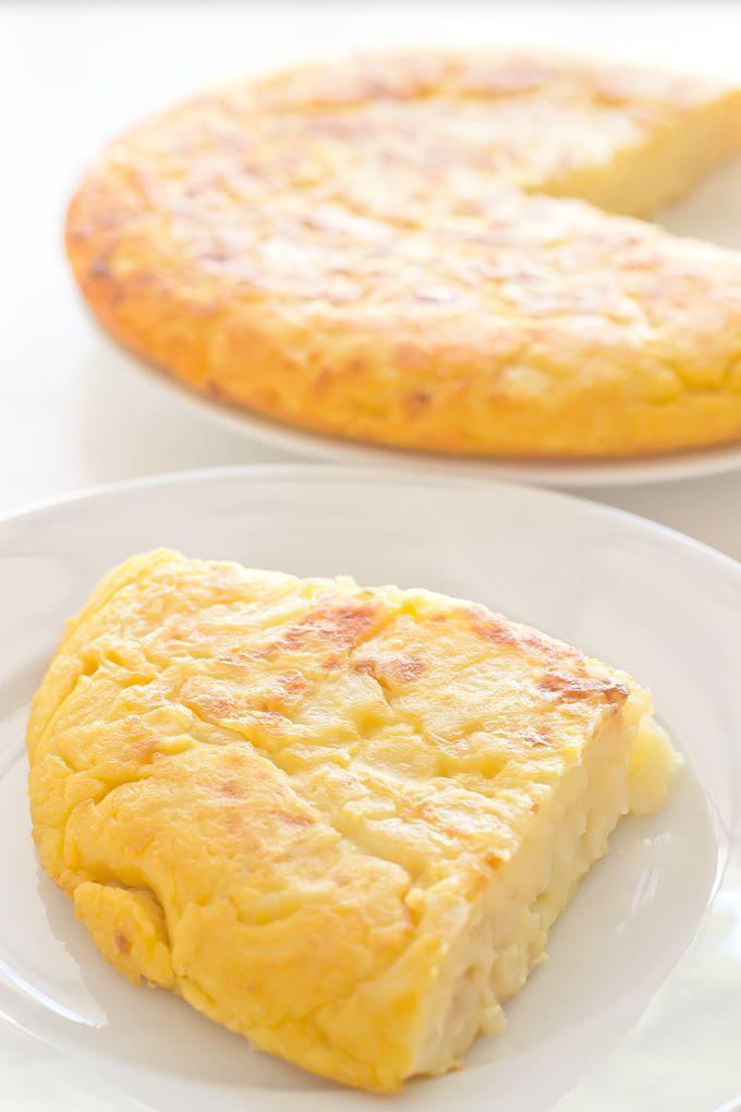 Vegan Spanish Omelette Recipe | minimaleats.com #vegan #omelette