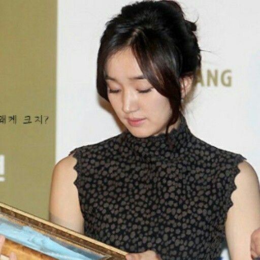 Soo Ae (수애 ) - green dress