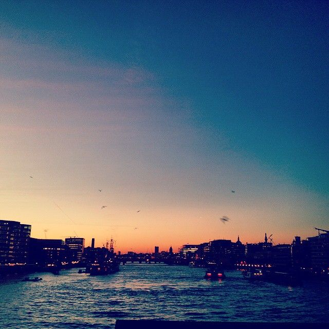 """Sunset is the opening music of the night"" - Mehmet Murat Ildan  #travelblogger #london #sunset #life #feelingyourworld"