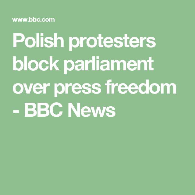 Polish protesters block parliament over press freedom - BBC News