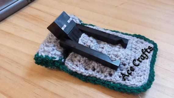 Crocheted Sleeping bag for Minecraft Figures by Myacecraft on Etsy, £3.00