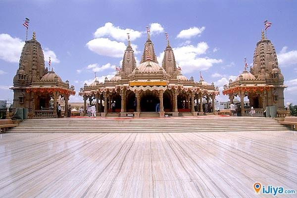 BAPS Temple, Kalawad Rd, Rajkot @ http://ijiya.com/8237007