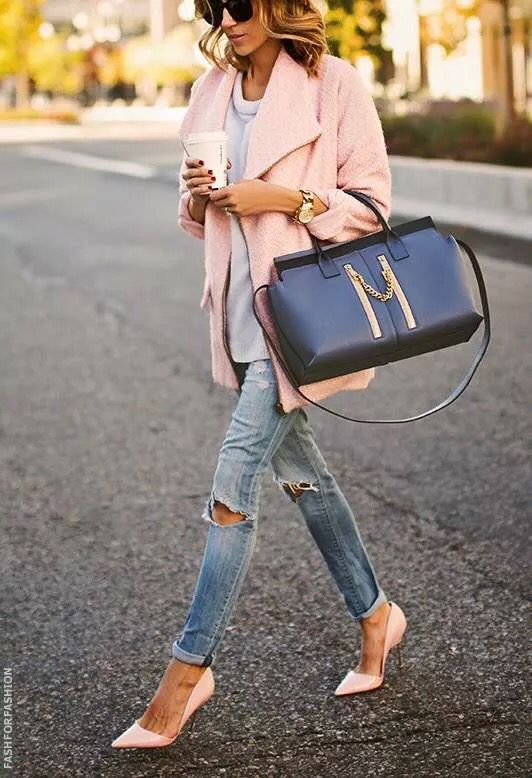 Jeans and pinky pink coat with heels make fashionable street style
