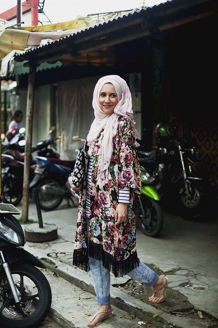 Dina Tokio and mix of patterns. #hijab