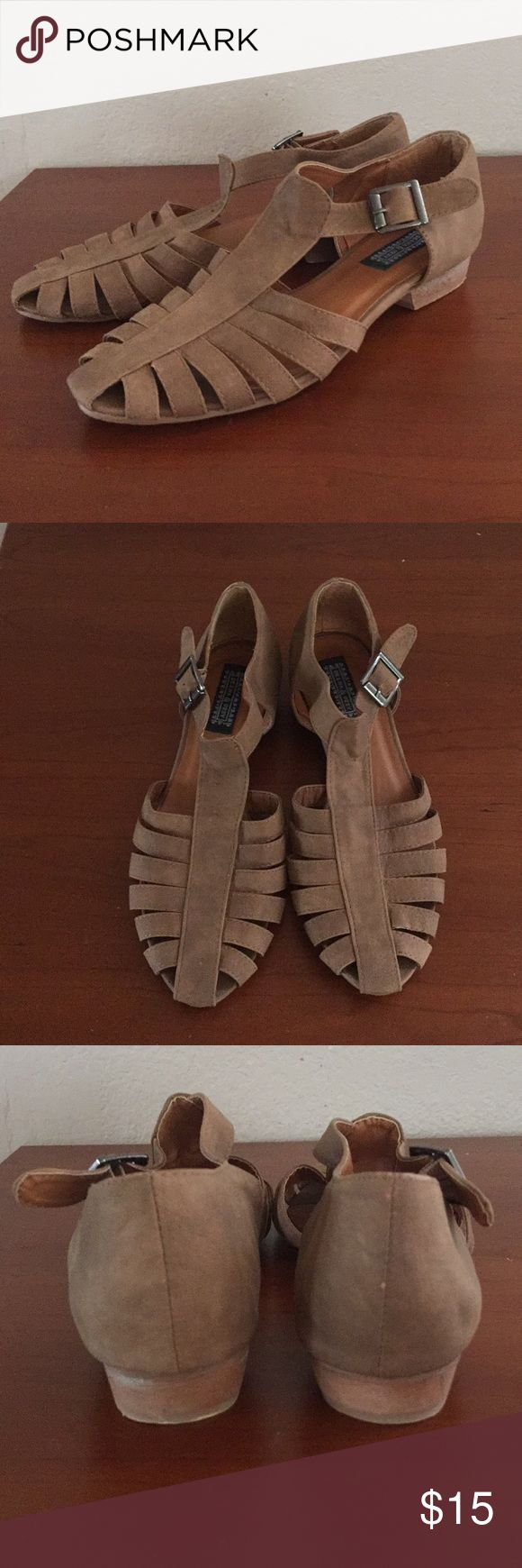 Urban Outfitters Deena & Ozzy Shoes Faux leather. Comfortable shoes. Size 8 Deena & Ozzy Shoes Sandals