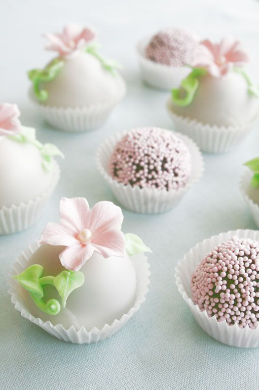 Fondant and Sprinkles Covered Cake Bites - Aren't they lovely?