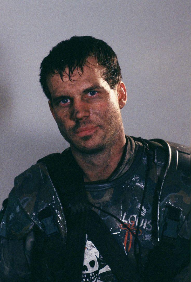 Bill Paxton has Hudson in #Aliens (1986)