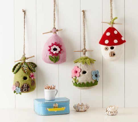 Casinhas de passarinho em feltro / Felt Wool Birdhouses | Pottery Barn Kids