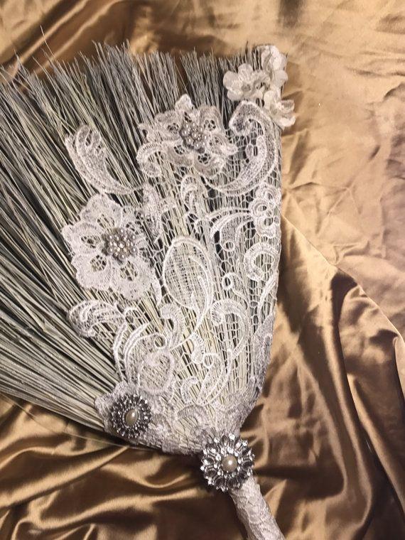 Wedding Broom: Large por MorganandMarieCo en Etsy