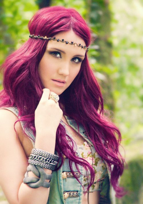 Dulce Maria hair is amazing!! I just love her!!