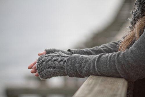 Grey autumn fashion fashion girl autumn sweater scarf sleeves