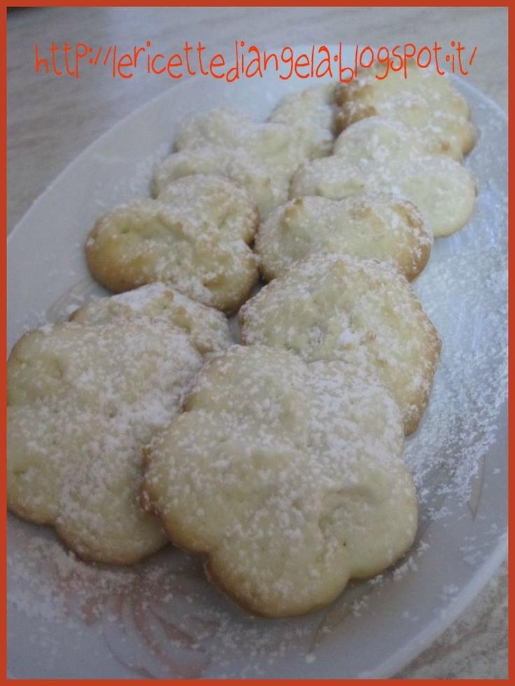 La cucina di Angela: Frollini al limone per la sparabiscotti. - needs translation