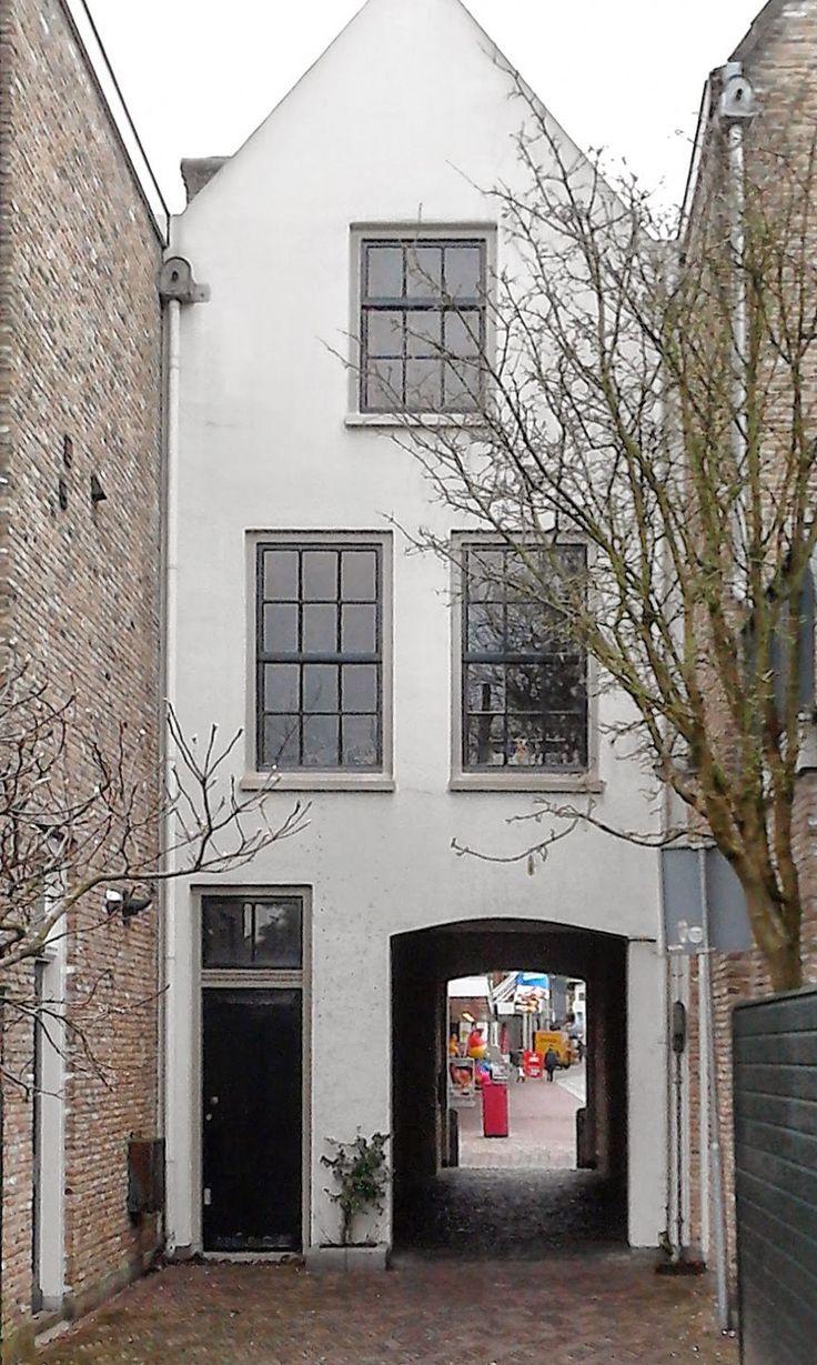 Doorgang Kloostertuin naar Statenplein (foto Astrid den Hartog)