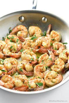 Easy Garlic Shrimp Recipe | http://shewearsmanyhats.com/easy-garlic-shrimp-recipe/