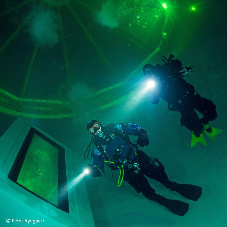 An industrial ruin in Zwevegem, Belgium has been transformed into an impressive #diving tank #originalplexiglas #evonikplexiglas #plexiglass #plexiglas #underwater #divingexperience #experience