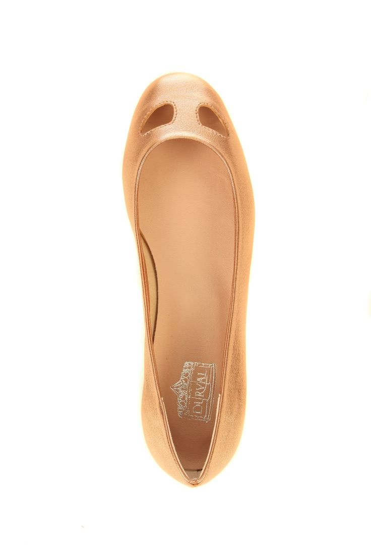 #durval #shoes #ballerine #ballerinas #flat #youmusthaveit #madeinitaly #florence #firenze #iloveshoes #iloveshoppig #leather #fashion #moda #fashionblogger #suede #cute #feet #crown #colours #gold