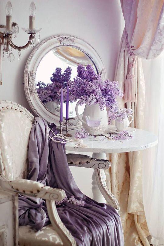 Brocante interieur met lavendel als accent kleur