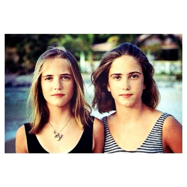 Eva Green & twin sister Joy (in their younger days) 😱 ~ {#evagreen}