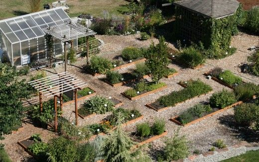 Large gardens are ideal for succession plantings.
