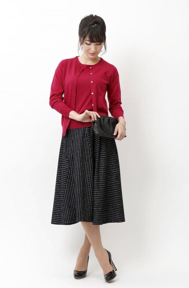 トレンドのミモレ丈スカートとカラーアンサンブルで大人可愛い休日スタイル