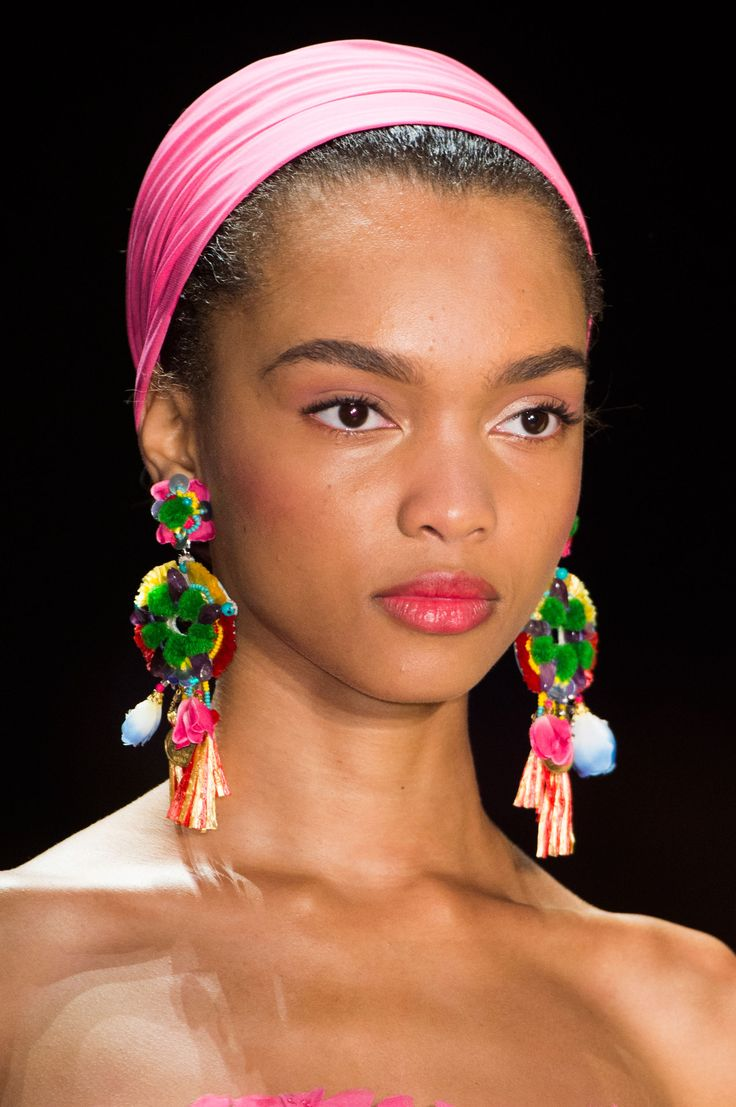New York Fashion Week has proved that BIG earrings are back in for Spring 2016, we have seen celebrities slowly wearing large teardrop earrings and NY Fashion Week has really proved that these have resurfaced in a big way (Kenna M)