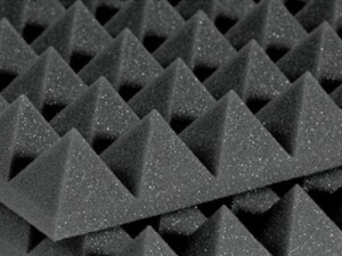 Peredam suara akustik Piramit foam hubungi : 089640556753